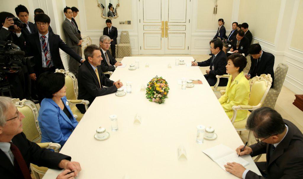 피터 마우러 ICRC 총재 박근혜 대통령 예방 | 청와대