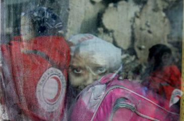시리아 : ICRC, 알레포 동부에서 3만 5천 명 대피 작전 펼쳐