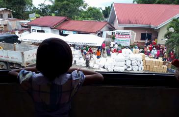 필리핀: 마라위 시 외곽 지역의 실향 가족들 돕기
