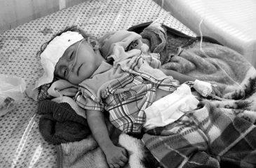 """예멘: 피터 마우러 ICRC 총재 예멘 방문서 """"불필요한 고통"""" 비난"""