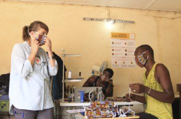 코로나1년 : 아프리카가 함께 할 때 백신은 희망을 가져 옵니다